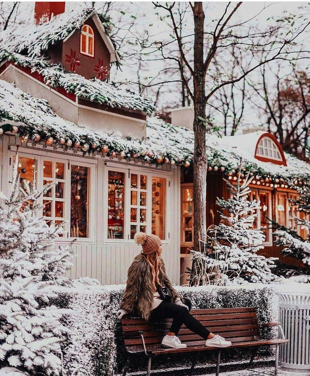 Christmas Lights Aesthetic Girl