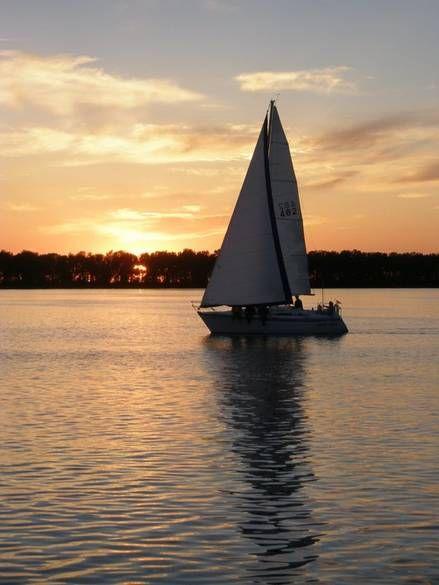 Sailing Into The Sunset Erie Photo Album Topix Presque Isle State Park Erie Favorite Places