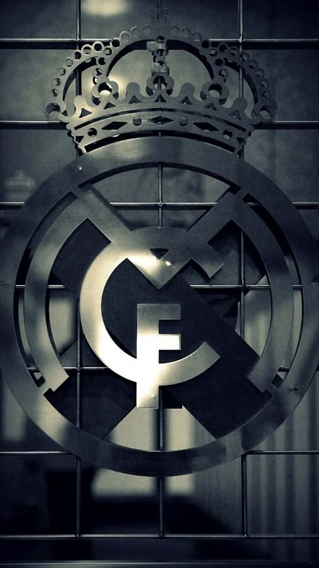 Real Madrid Team Wallpaper Iphone In 2020 Real Madrid Wallpapers Madrid Wallpaper Real Madrid Logo Wallpapers