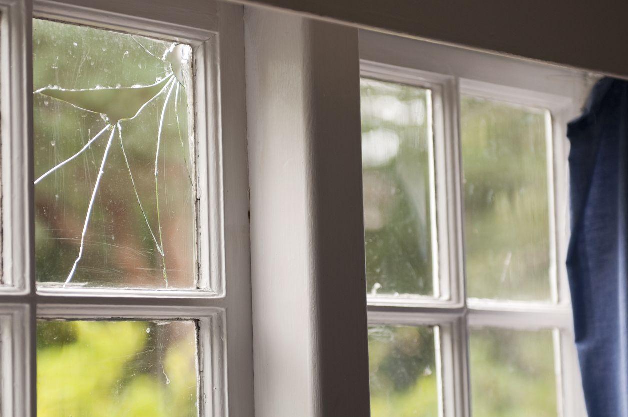 Glass Doctor Broken Window Pane Window Glass Repair Window Repair Broken Window