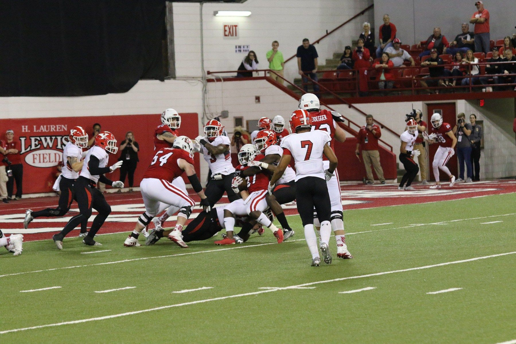 Late field goal gives south dakota win over youngstown