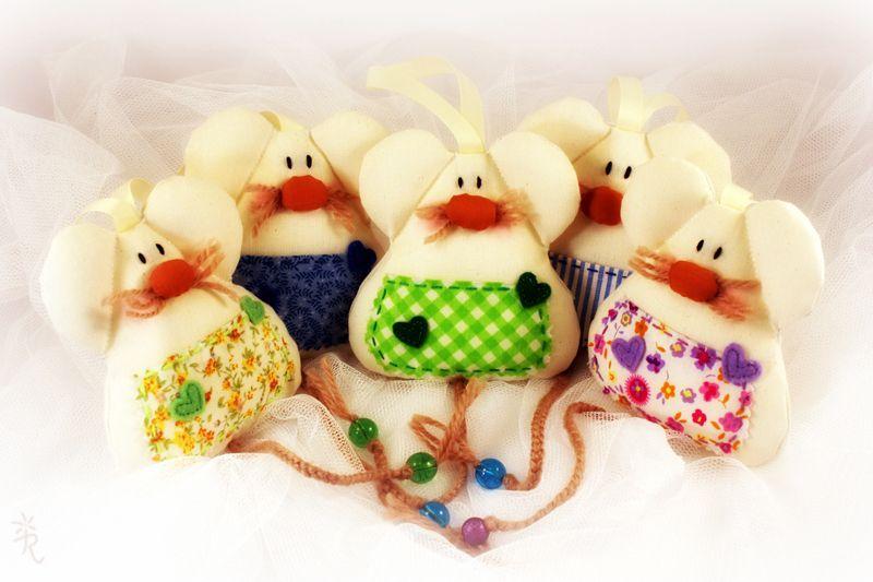 http://es.dawanda.com/product/58529431-Guardadientes-el-raton-valiente