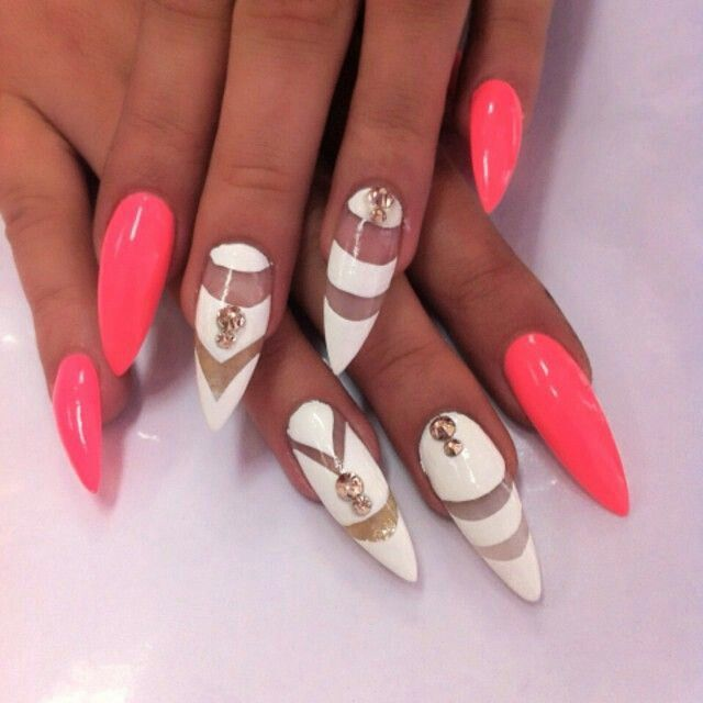 nails | Holiday nails & toes | Pinterest | Round nails, White nail ...