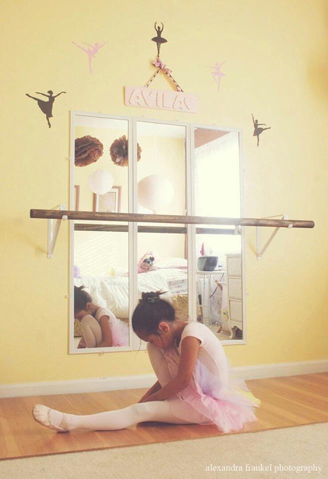 Barra y espejo para cuarto de ni a bailarina decoraci n for Espejo y barra montessori