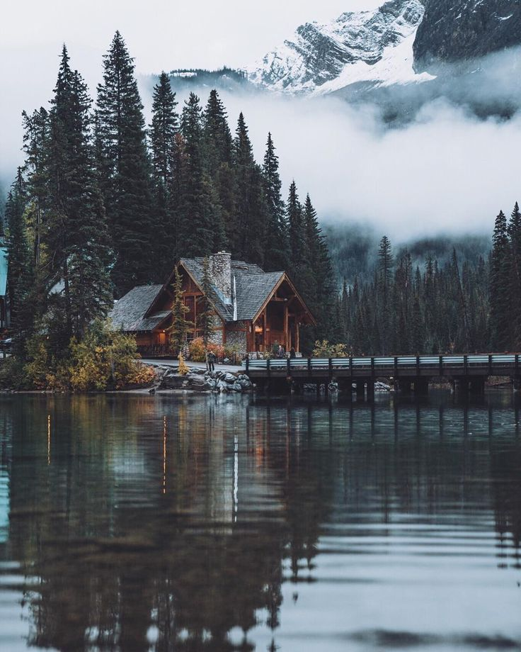 What a great place to enjoy the last daylight of a... - #canadian #daylight #enjoy #Great #Place #mountainhomes