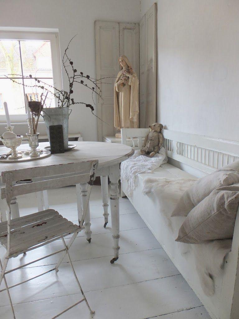 white on white white and vintage pinterest wohnzimmer wei e m bel und antike m bel. Black Bedroom Furniture Sets. Home Design Ideas