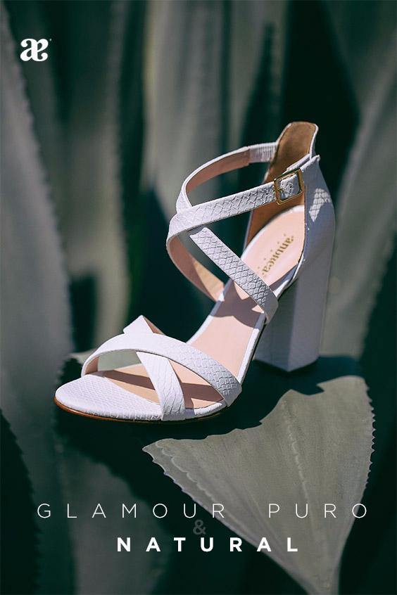 4c9308bc Destaca con #glamour a cada instante con un toque puro y natural #sandalias  #heels #zapatos #fashion #moda #zapatillas