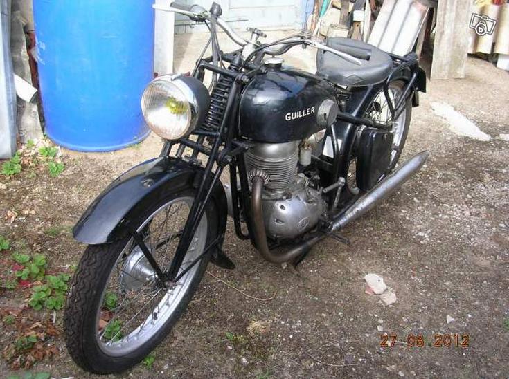 moto de collection fran aise guiller ann e 1954 moteur 125 type 4 temps d guiller motos. Black Bedroom Furniture Sets. Home Design Ideas
