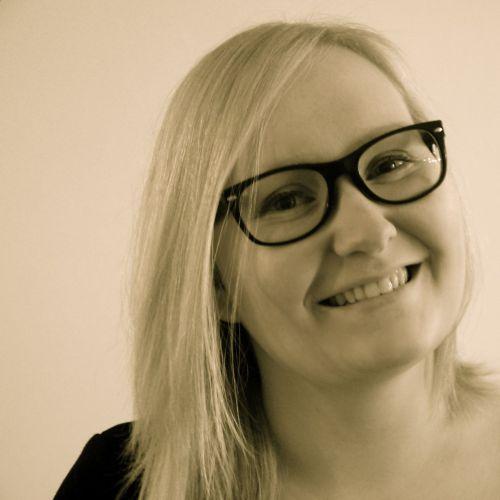 Minna Valtari, Someco Oy:n toimitusjohtaja, sosiaalisen median konsultti ja kouluttaja