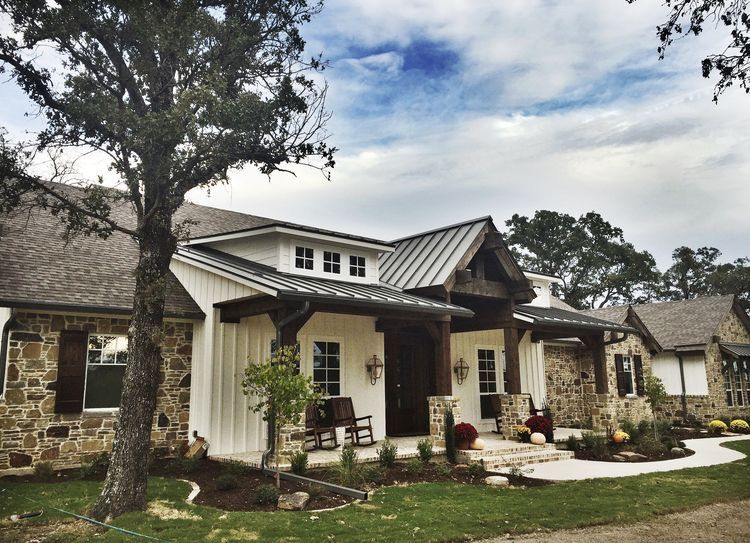 transitional farmhouse style ranch home house exterior on modern house designs siding that look amazing id=19319