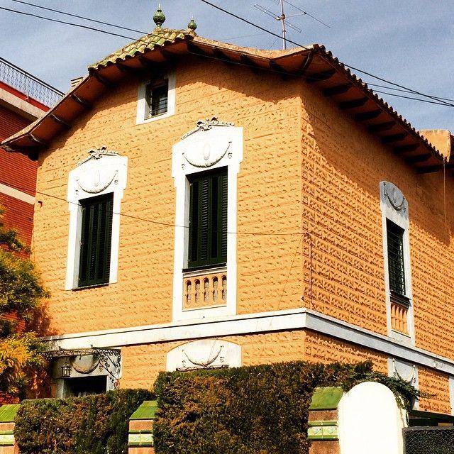Casa barcelona living iscletec - Puertas madera barcelona ...