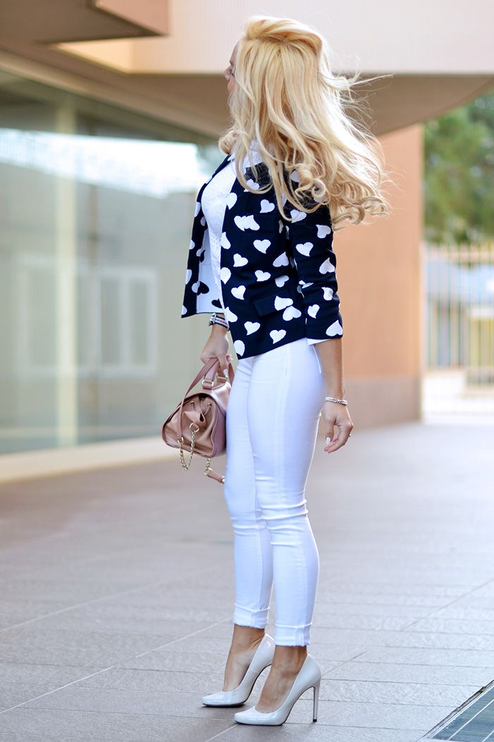 Polka dots, blue and white blazer with white skinnies