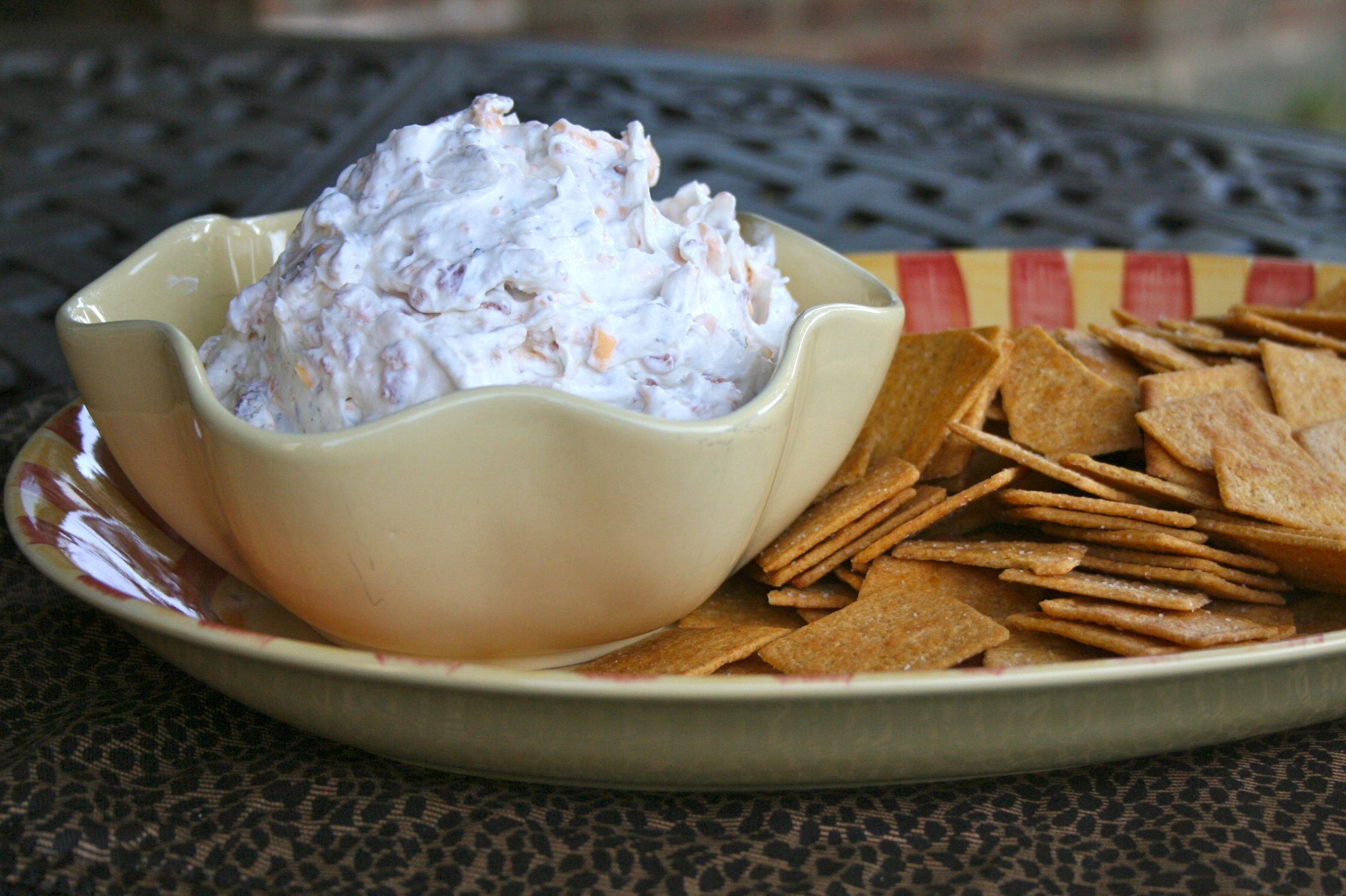DEFINITELYLEOPARD.COM: Cheddar Bacon Ranch Dip a.k.a. The World's Most Addictive Dip