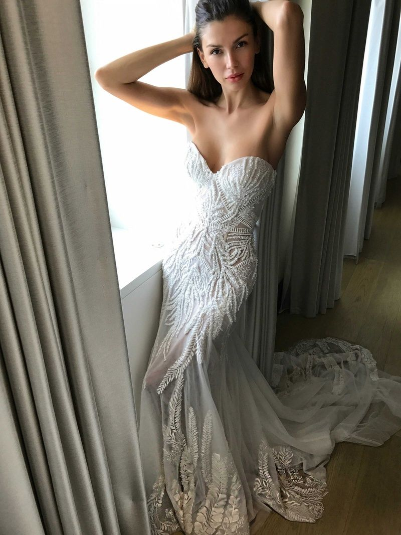 d1293287fdd7a Pallas Couture Fall 2017 Maryem strapless bust tulle skirt beaded fern lace  detail wedding dress