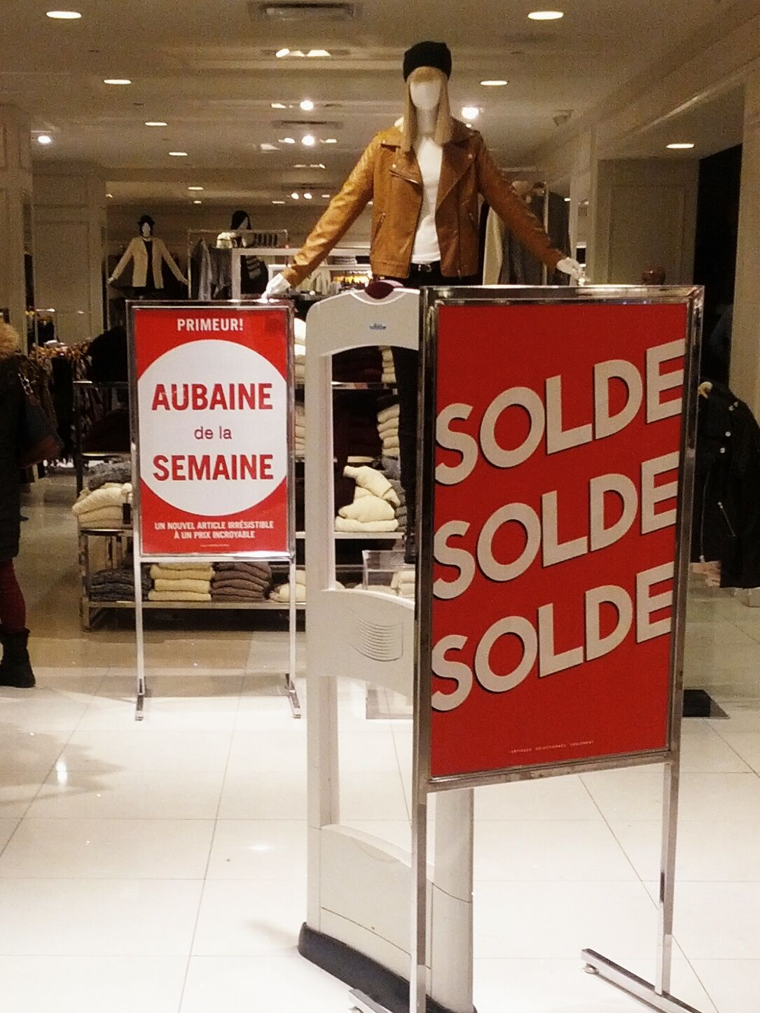 Example Of The Word Aubaine Used In A Montreal Shop 885