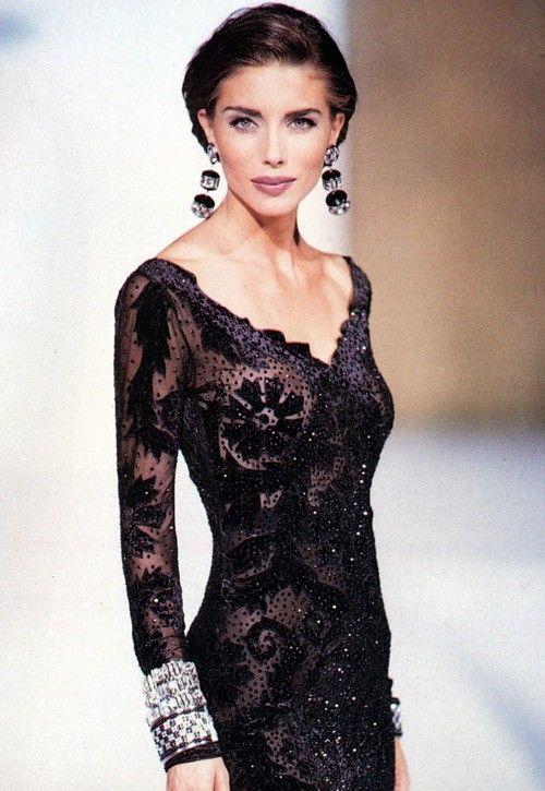 Rocco Barocco  HC A/W 1992 | model  Jennifer Flavin