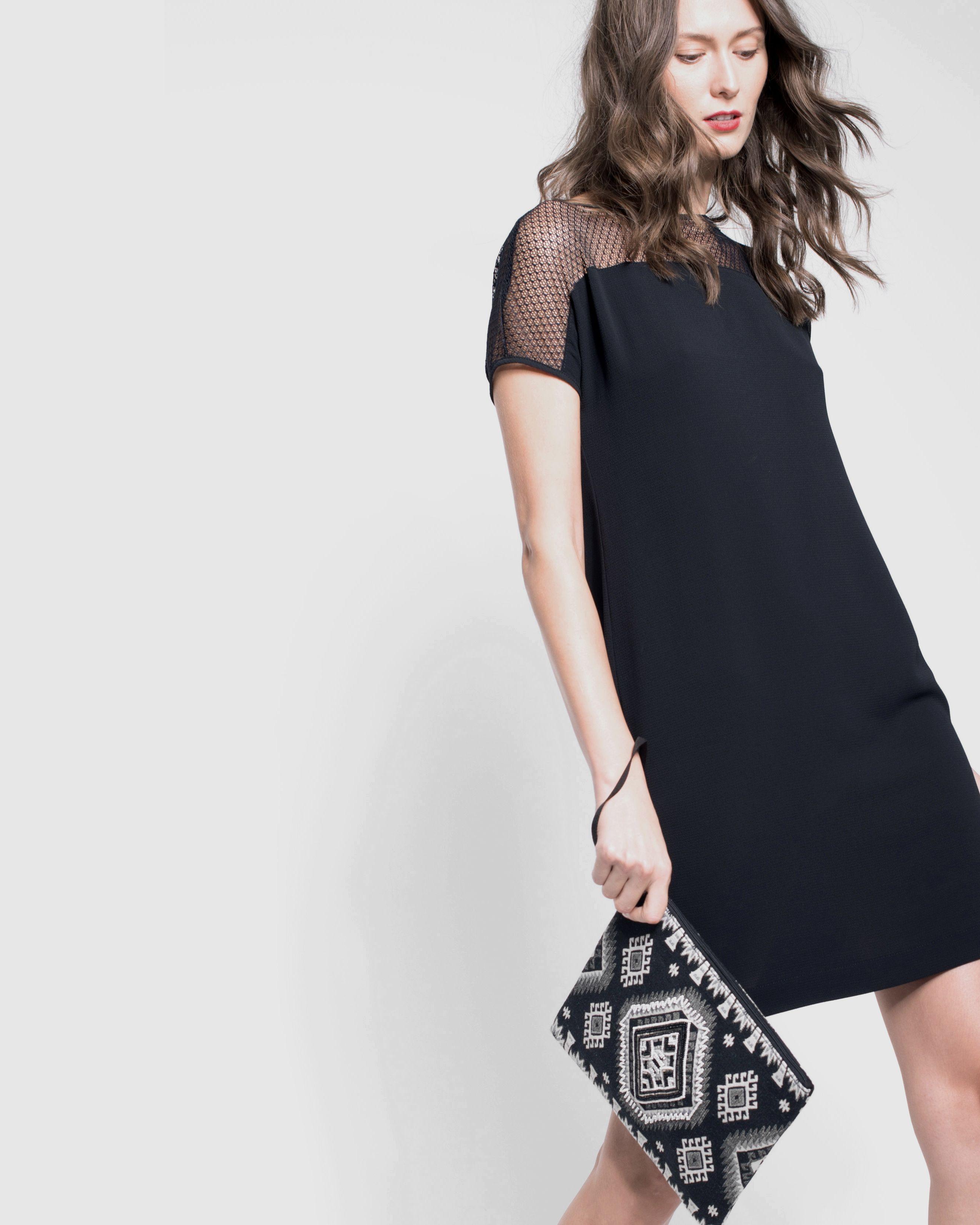 Belle robe noire dentelle