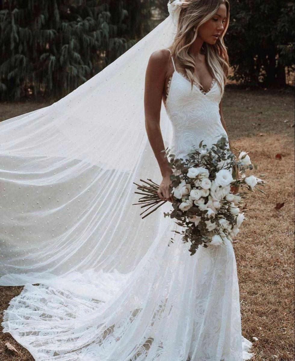 Pin By Anjalie Medina On Future Wedding Ideas In 2021 Wedding Dresses Wedding Dresses Simple Wedding Dresses Plus Size [ 1200 x 980 Pixel ]