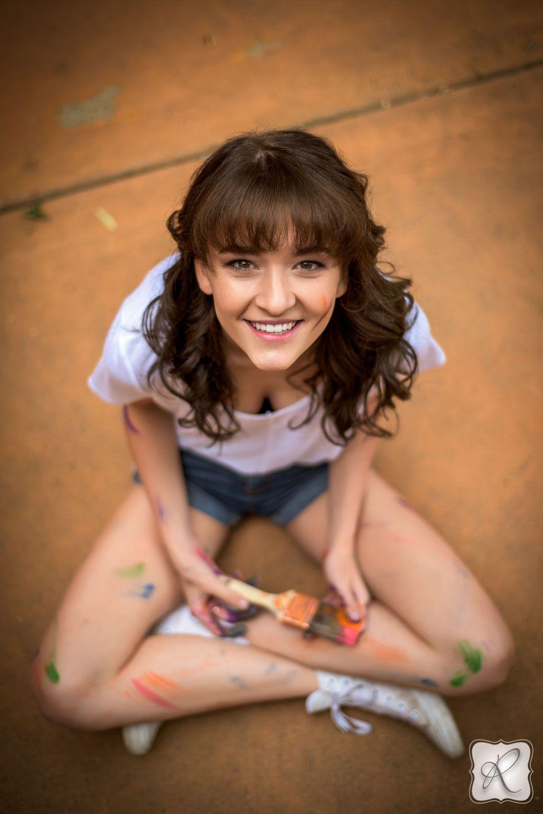 Tori Byam's Senior Pictures | ARP Senior Picture Props
