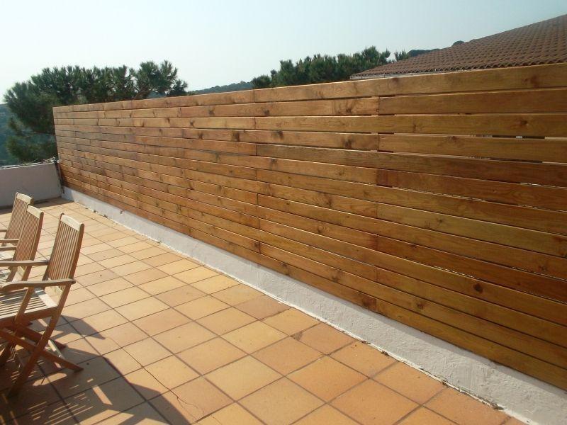 Valla de madera para una terraza en manresa jul 2012 - Vallas para muros ...