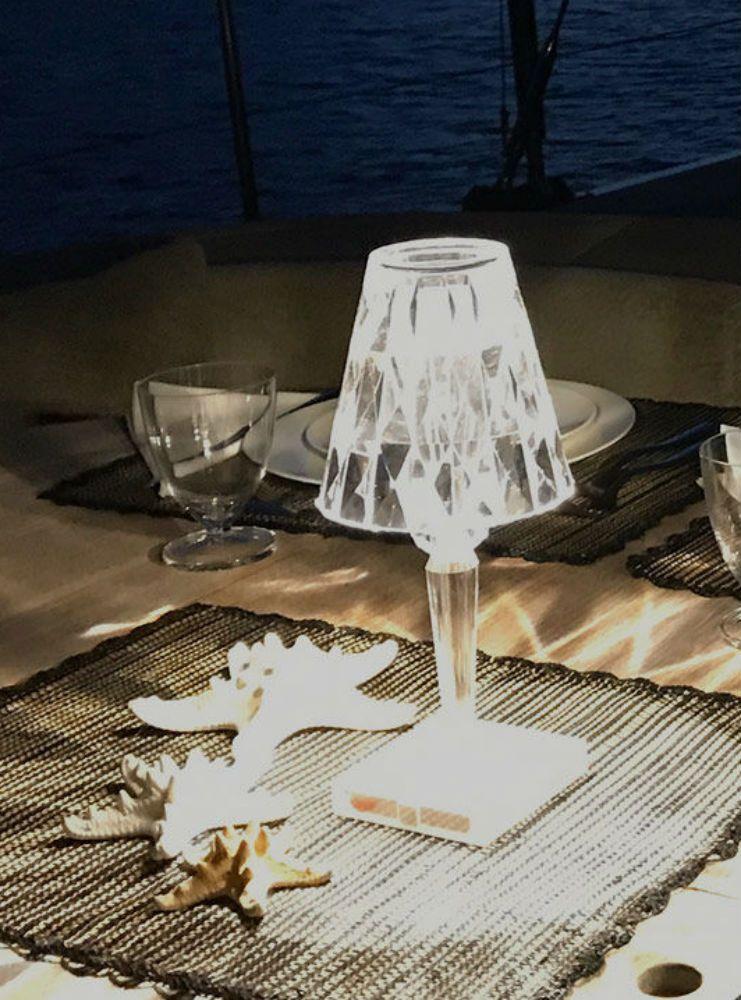 Kartell Tavoli Da Esterno.Kartell Battery Lampada Da Tavolo A Led Ricaricabile In Materiale