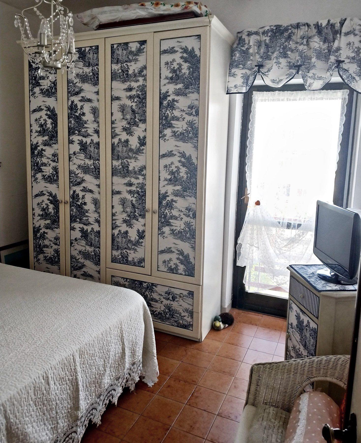 Armadio Casa Al Mare laura coppotelli. armadio in una casa al mare tappezzato con