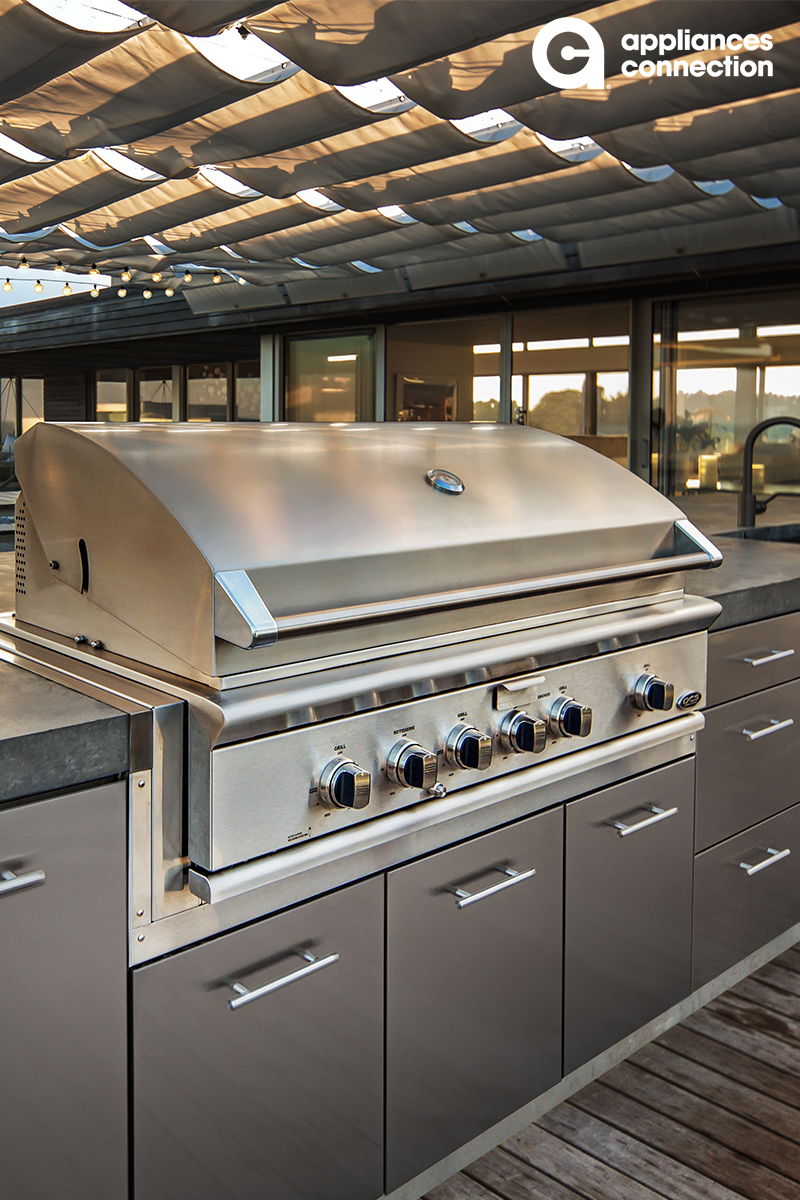 Dcs S Built In And Freestanding Outdoor Grills Offer A Host Of Intuitive Features To Cater To Outdoor Kitchen Outdoor Kitchen Appliances Outdoor Kitchen Island