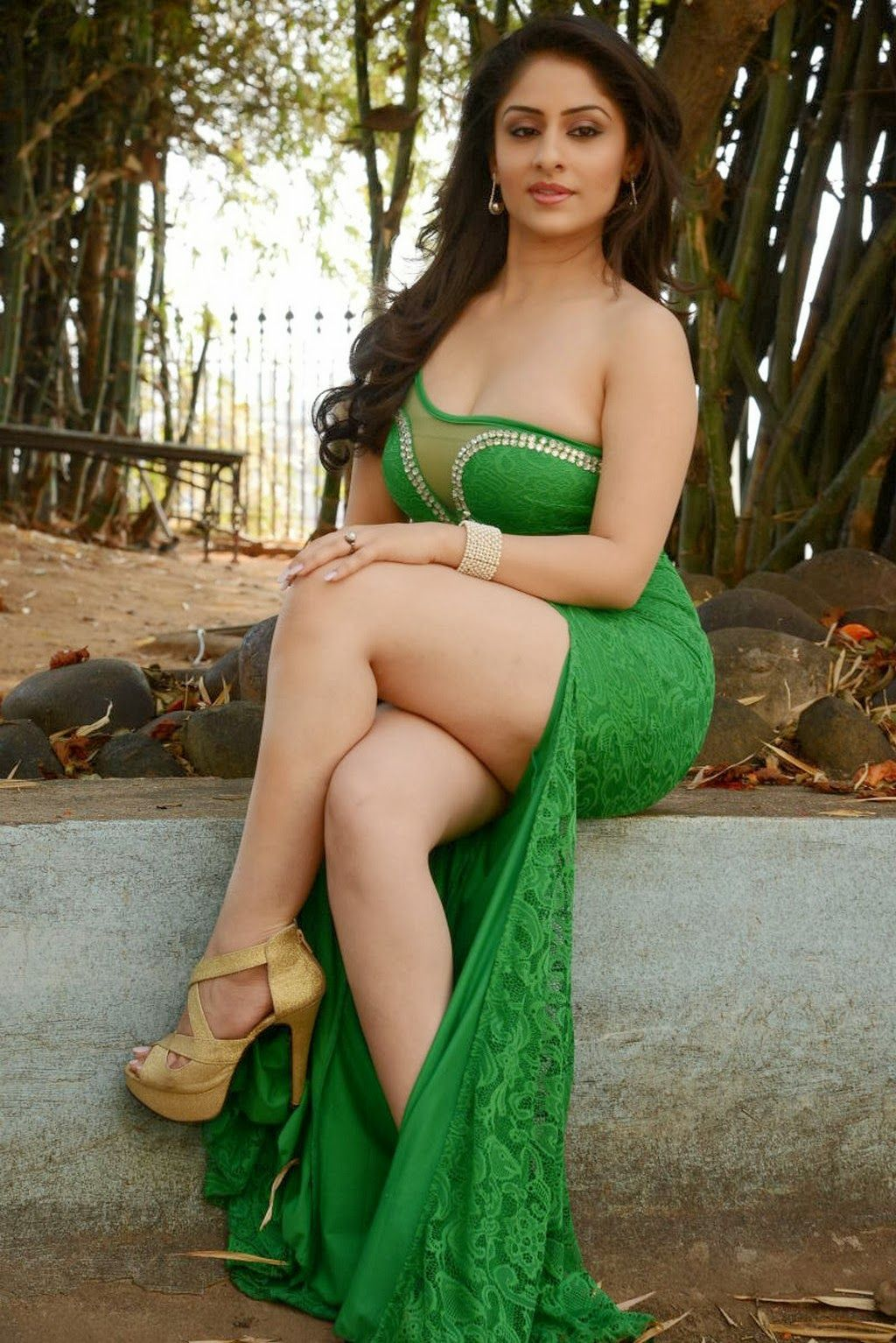 New Actress Ankita Sharma Hot Thighs Show Pics In Green Tight ...