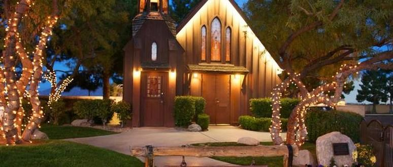 Resorts With Wedding Chapels Vegas Wedding Venue Chapel Wedding Las Vegas Weddings