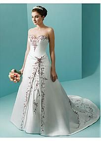 Sweetheart Color Embroidery Detail Wedding Gown #Dressilyme