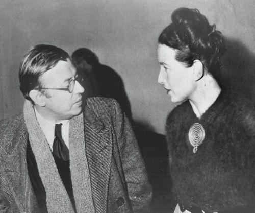 Simone de Beauvoir et Jean-Paul Sartre. Paris. Vers 1945. Photo: RDA.