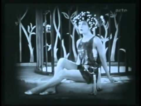 Salome (1923) - from Oscar Wilde's play - silent with clean English intertitles http://youtu.be/BkMq_Cs3OUs