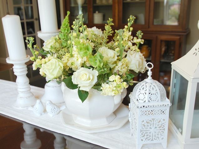 White Mixed Centerpiece Pillar Candles Lanterns Floral Birdcages Home Wedding DecorationsSpring DecorationsTable
