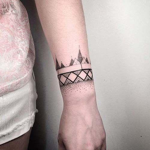 50 Charming Wrist Bracelet Tattoos Designs And Ideas 2018: Bileklik Dövmeleri Bayan Tumblr Wristband Tattoos For
