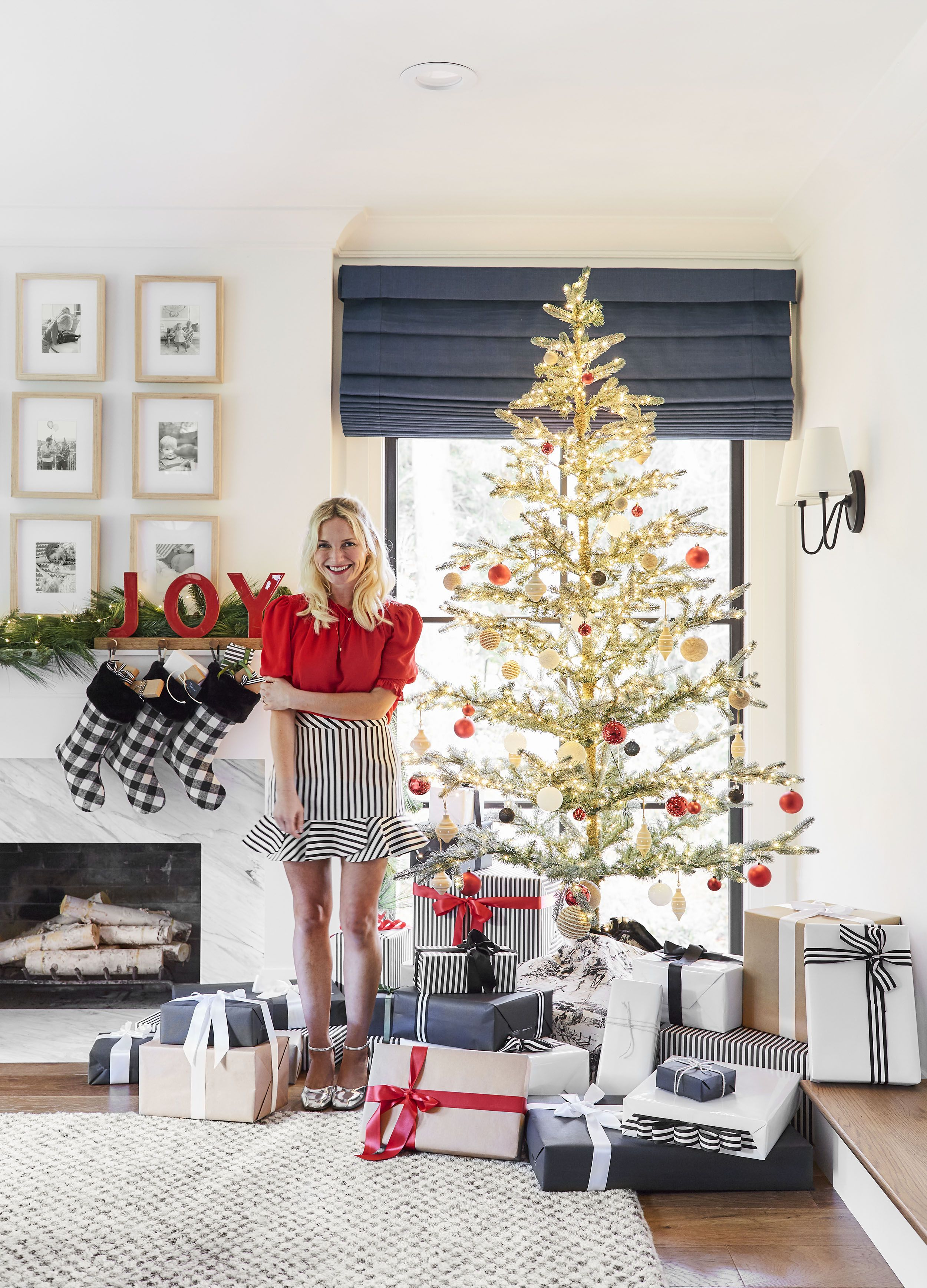 Christmas Decorating Ideas How To Create A Refined Traditional Look With Target Classic Christmas Decorations Holiday Tabletop Decor Holiday Decor