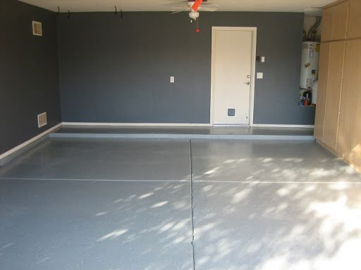 Dunn edwards suprema in pointed rock de6363 garage for Pictures of painted garage walls
