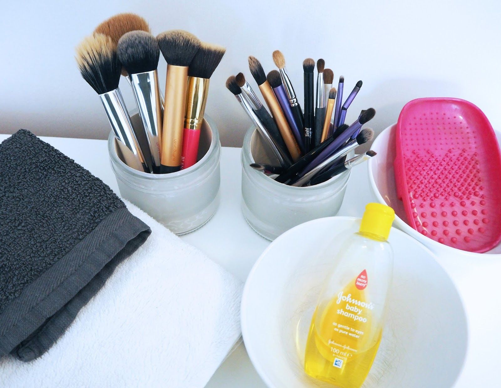 My Brush Cleansing Routine How I clean my makeup brushes