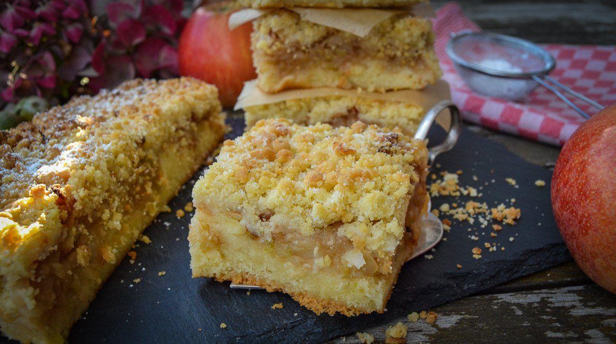 Omas Apfel Streuselkuchen Vom Blech Rezept Streuselkuchen Blech Streuselkuchen Und Apfel Streuselkuchen Blech