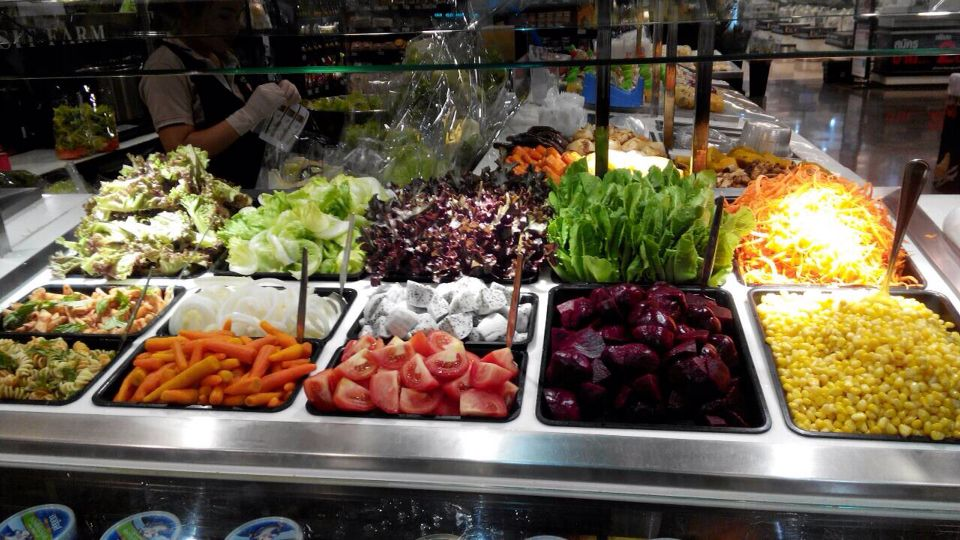 Daily Fresh Organic Salad Bar @TOPS MARKET RAMA 9 organize by