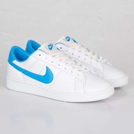 new style e2b65 e07bd Nike Tennis Classic Returns in an OG Colorway