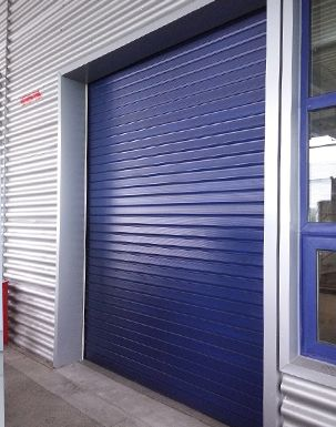 At Dt Services Hull We Are Specialists In Roller Shutters And Security Doors Covering The East Riding Of Yorkshire Area Take A Look At Our Website For M Com Imagens Casas