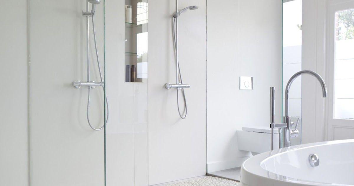 Badezimmer Quadratische Fliesen In 2020 House Interior Bathroom Hooks Interior