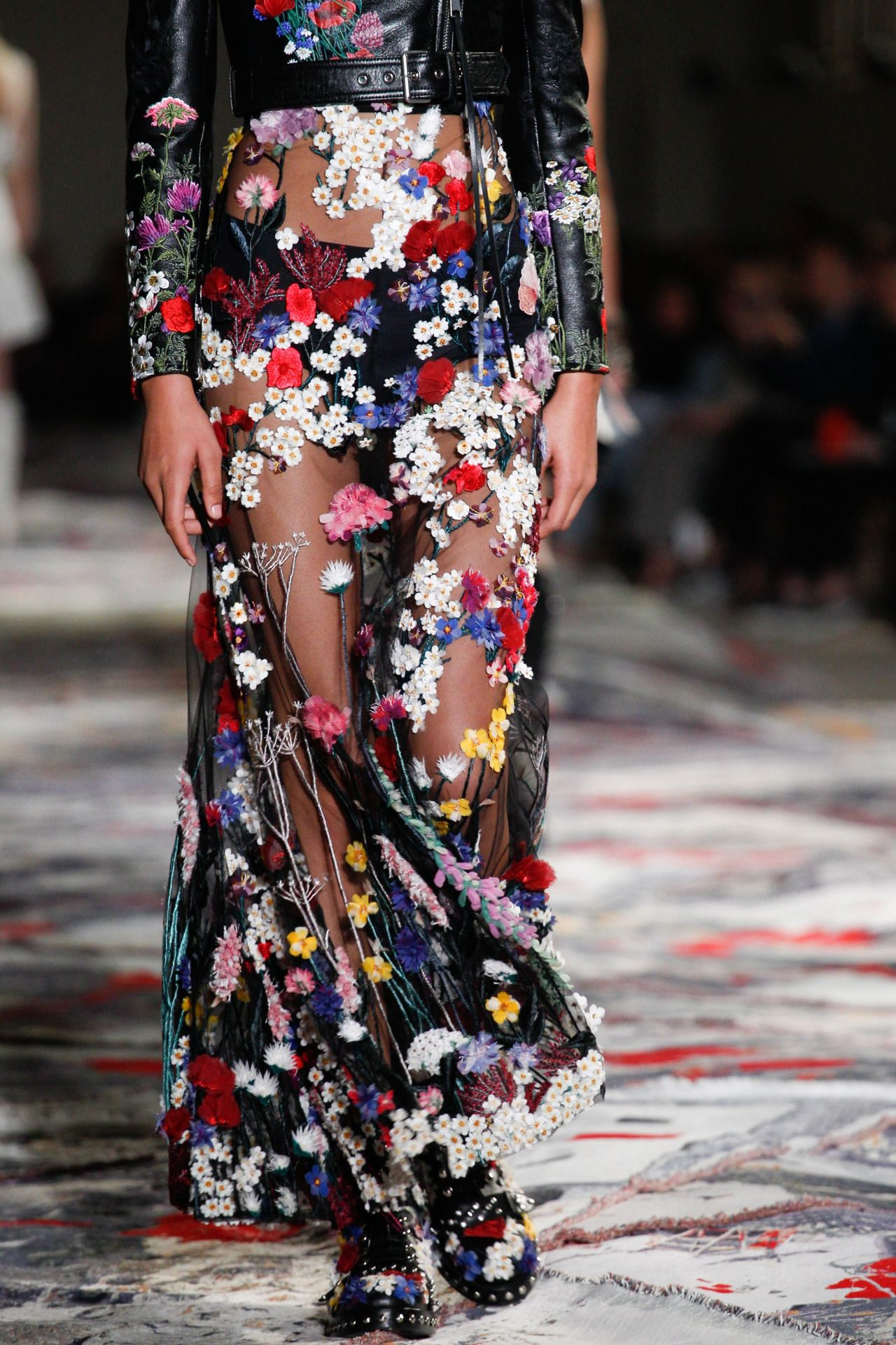 This is not a blog. — runway-report  Details at Alexander McQueen ... 8b62b7efe9