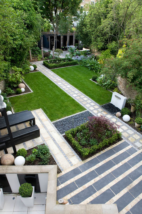 Simple Lines Repetition In A Modern Garden Location London Uk Designer Earth Modern Backyard Landscaping Modern Japanese Garden Modern Garden Landscaping