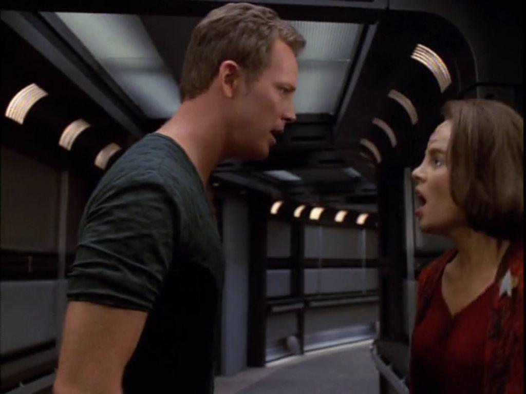"Star Trek : Voyager  2 X 24 ""Displaced"""