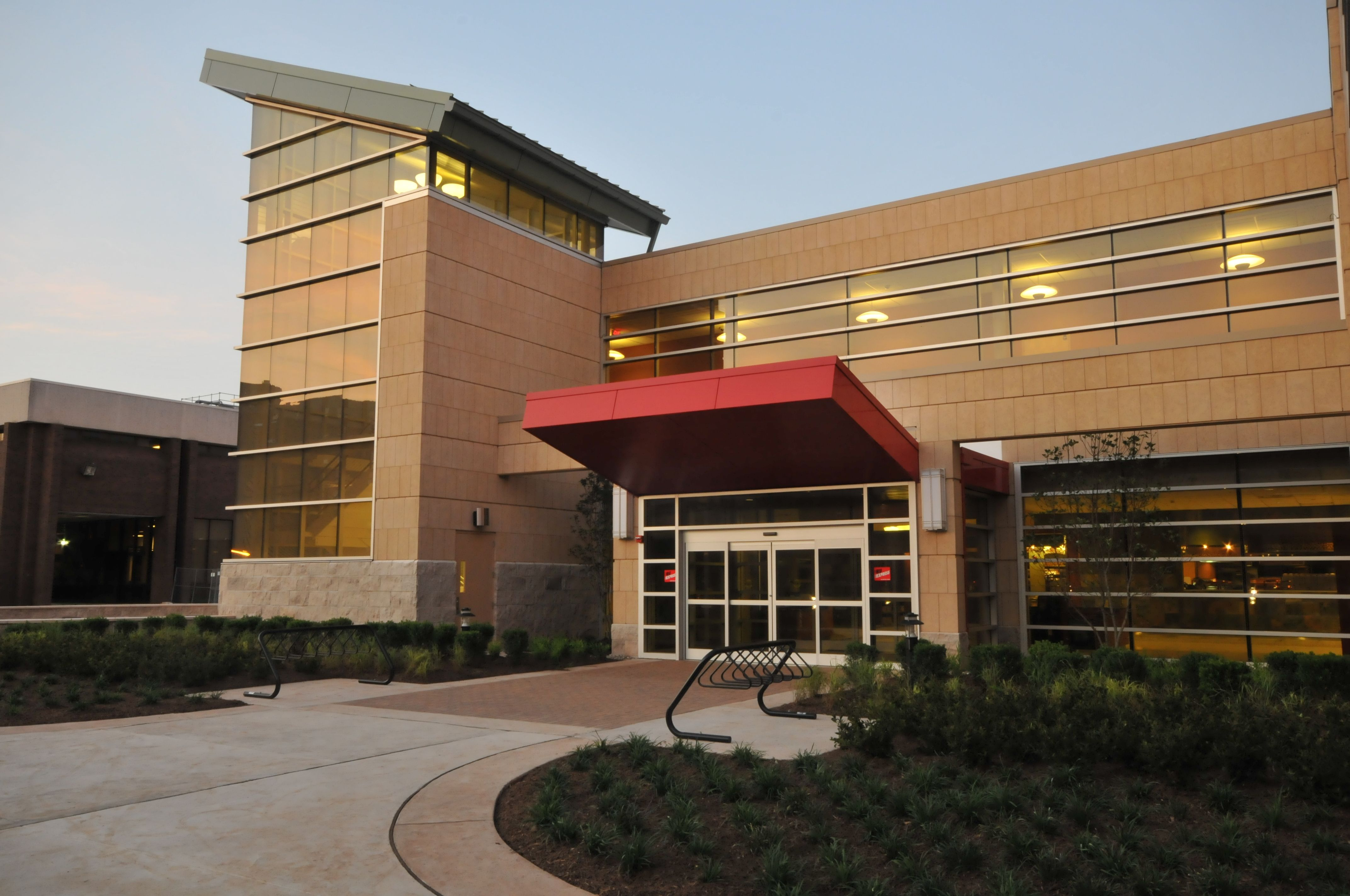 Livingston Dining Commons - Rutgers - Brand new dining hall with ...