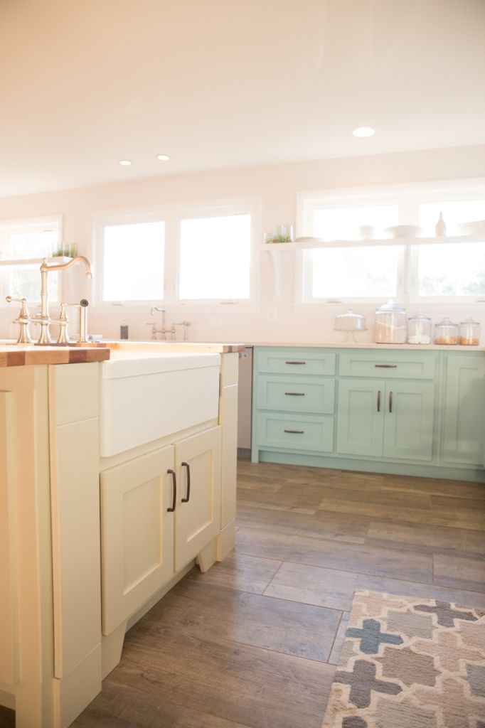 A country farm blue kitchen with cream island. Lenova Stainless ...
