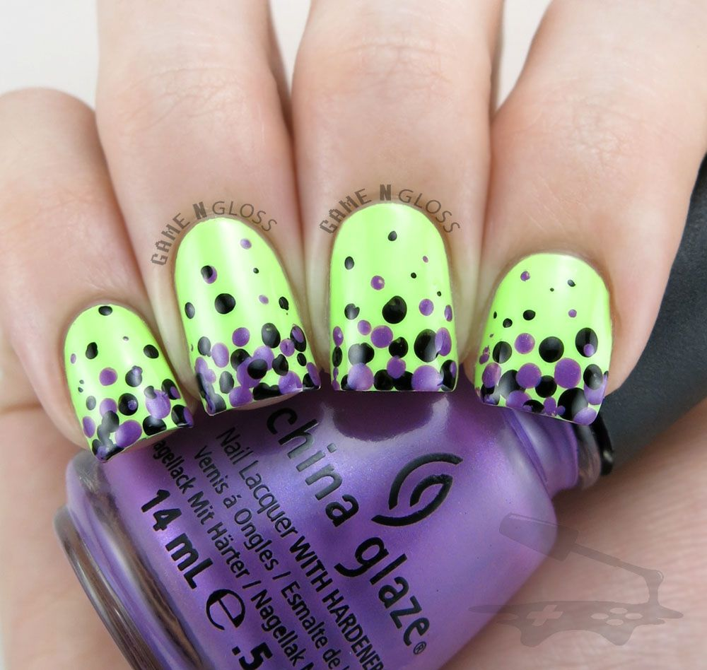 Cute and simple green and purple Halloween nail design