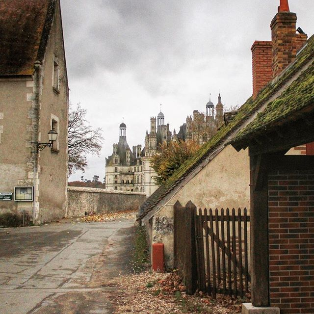 #tbt to that time we took an autumn roadtrip through the loire valley and the gloomy weather made it all feel straight out of beauty & the beast.