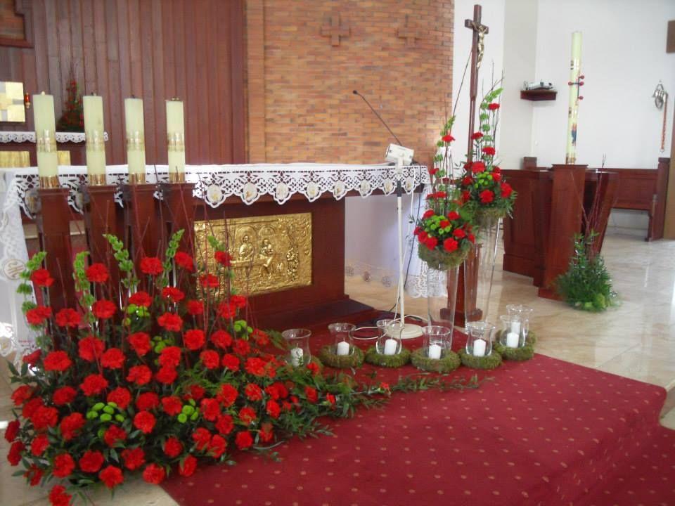 Dekoracja Oltarza Altar Flowers Altar Decorations Church Flower Arrangements